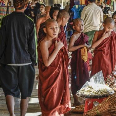La vita dei monaci in Myanmar