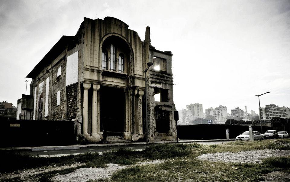 Beirut -  Chiesa Cattolica bombardata durante la guerra civile Beirut -  Catholic church bombed during the civil war